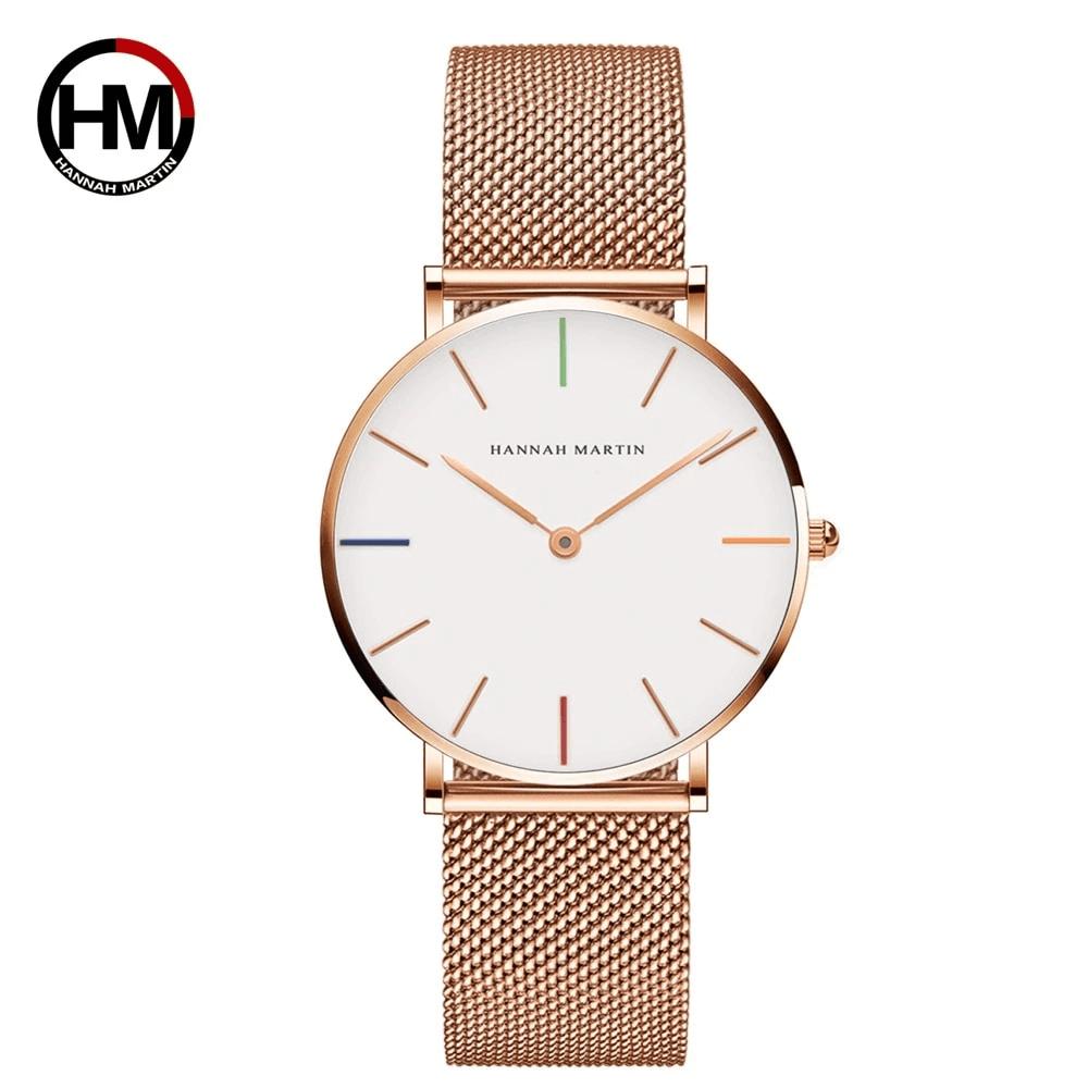 klasyczny zegarek z białą tarczą i złotym paskiem